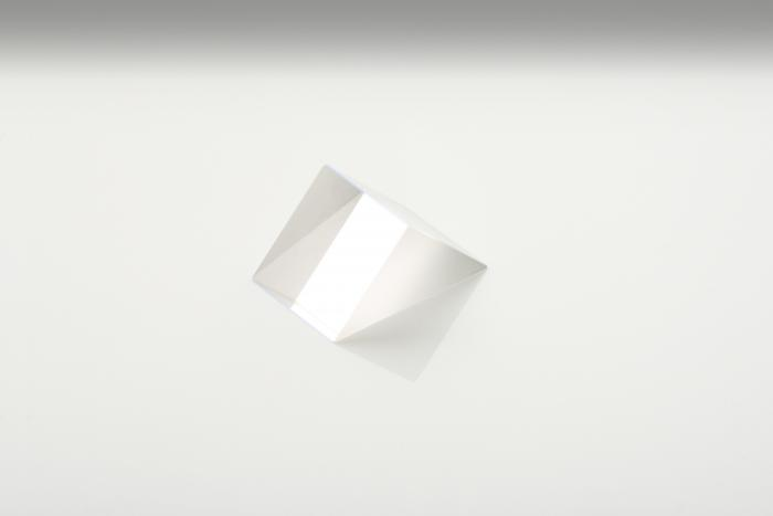 These precision UV grade fused silica right angle prisms have high surface quality and tight tolerance angles